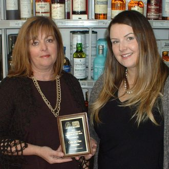 From Color de vino – Juanita Roos (left) and Kelsey Roos